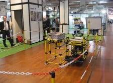 Der INDEVA TUGGER AGV ist ein Standardprodukt, das hauptsächlich für das Ziehen von Trolleys verwendet wird.Wir liefern natürlich auch die Trolleys.