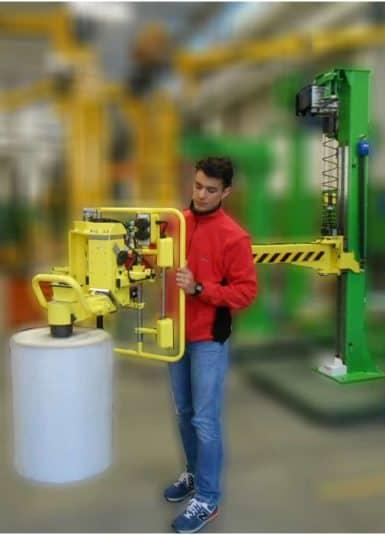 Séria INDEVA série Liftronic je ideálnym riešením pre pohyb kotúčov z textilných vlákien, ktoré vyžadujú rýchle, plynulé a presné pohyby. Vďaka svojej exkluzívnej technológii ponúka množstvo dôležitých výhod, z ktorých hlavná je schopnosť automaticky rozpoznať a vyvažovať hmotnosť zaťaženia, ktoré sa zdvíhalo v reálnom čase.