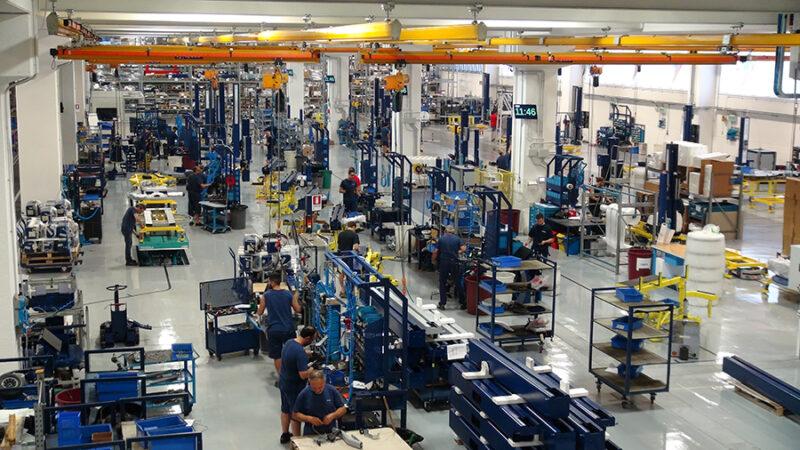 inteligentná továreň -Systém dohľadu nad automatickými riadenými vozidlami